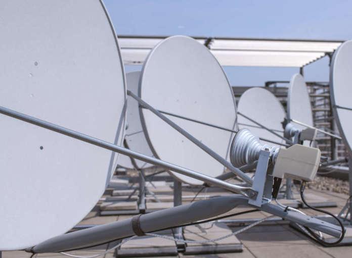 Parabola trasmissione via satellite